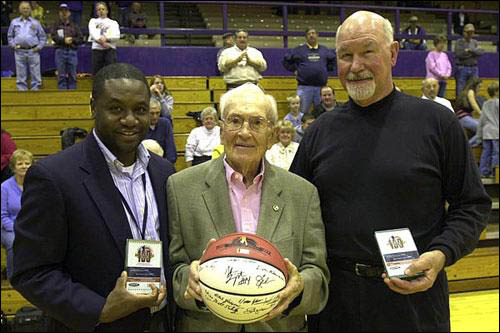 BallPress.com > Honors > 100 LEGENDS OF THE IHSA BOYS BASKETBALL TOURNAMENT